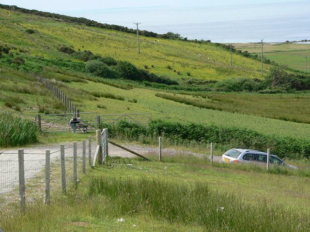 Farm road to Drumnamucklach