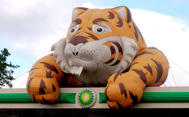 Esso Tiger Belfast 169 Albert Bridge Geograph Ireland