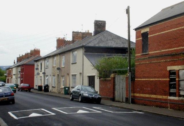 Newport : eastern side of Bath Street by Jaggery
