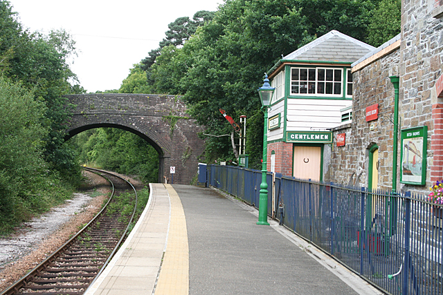 Bere Ferrers: by the signalbox