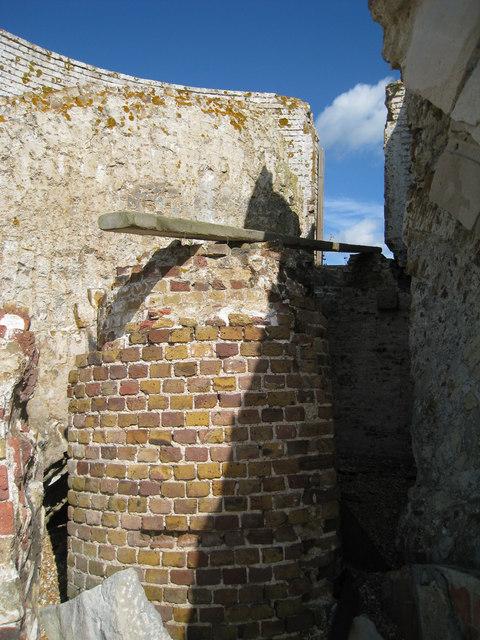Central Pillar, Martello 19