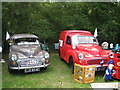 TQ9141 : Morris Minors at Darling Buds Classic Car Show by Oast House Archive