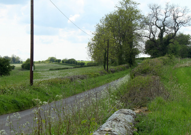 2010 : Heading west on a lane near Burton