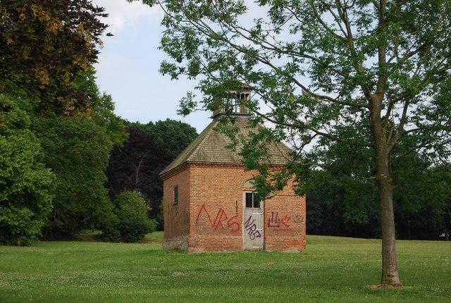 Dovecot, Earlham Park