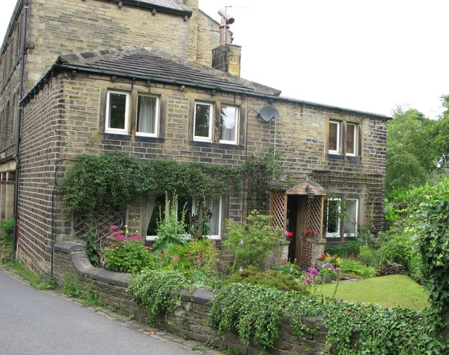 Cottages in Giles Street, next to the Post Office