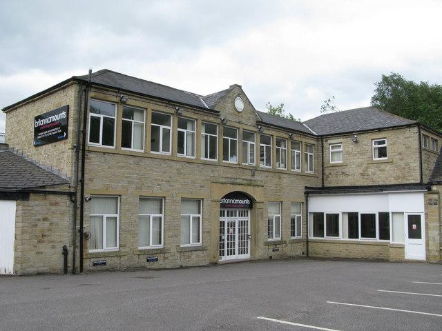 Riverside House, Magdale