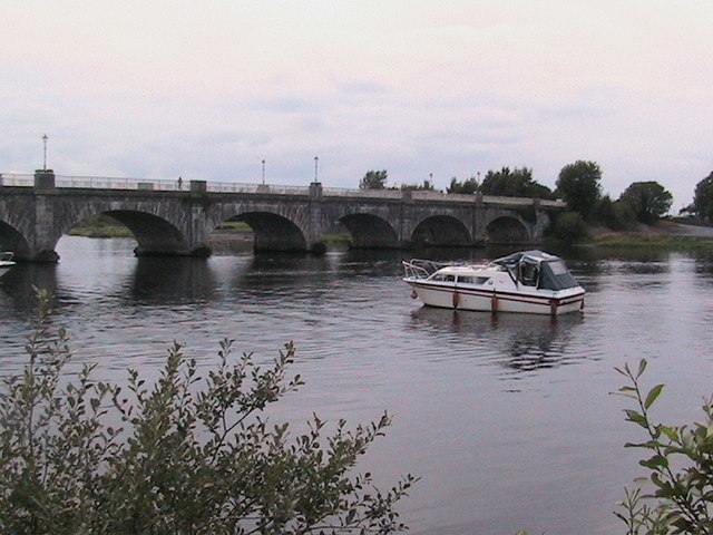 Banagher Bridge from upstream