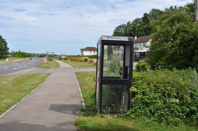 Telephone kiosk outside the Wentwood Inn, on A48