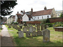 TM3389 : Houses adjoining St Mary's church, Bungay by Evelyn Simak