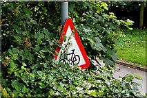 "J2766 : ""Cycle route ahead"" sign, Lambeg by Albert Bridge"