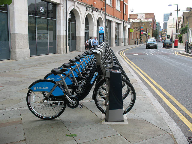 London cycle hire docking station - Union Street