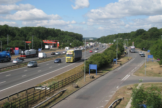 M25 clacket lane services