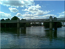 TQ1977 : Kew Railway Bridge by Burgess Von Thunen