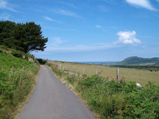 Country road north of Tyddyn-yr-haint