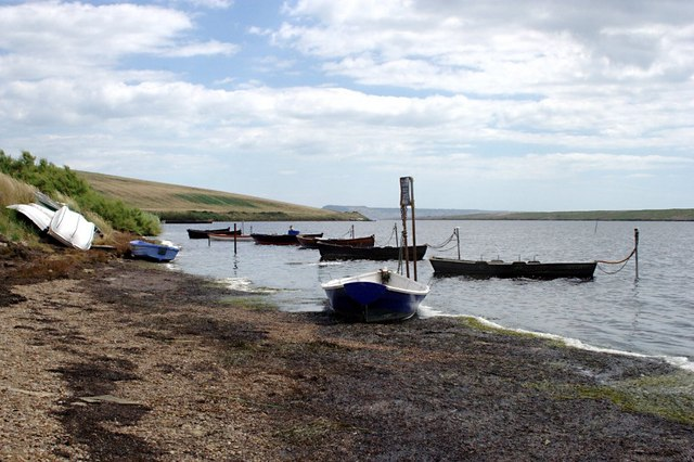 Dinghies at Moonfleet