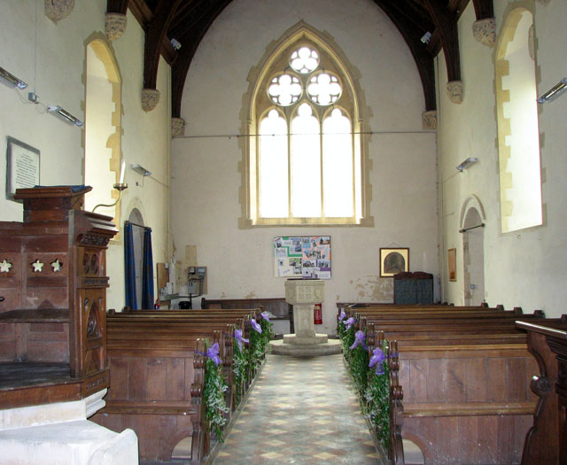 St Nicholas' church in Fundenhall - view west