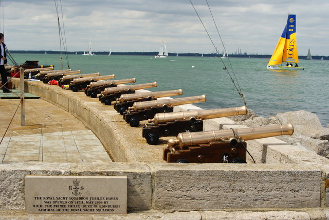 Royal Yacht Squadron Starting Cannons, Cowes