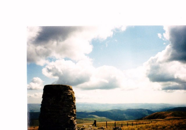 The summit plateau of Waen-oer from the Trig Point