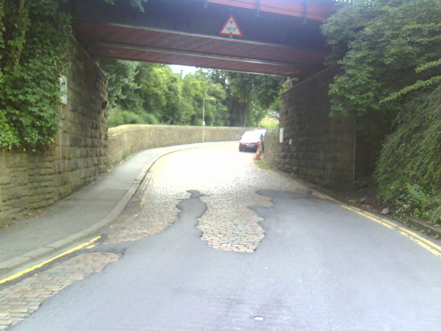 Approach road to Shipley Station