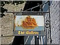 TR0420 : The Galleon sign at 1 High Street by P L Chadwick