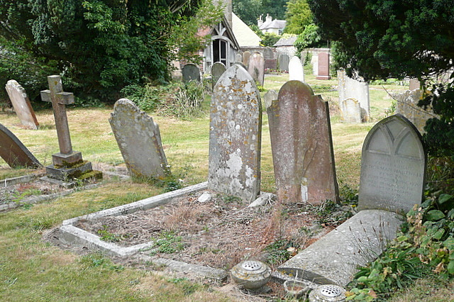 Grave of Sir Norman Hartnell by Graham Horn