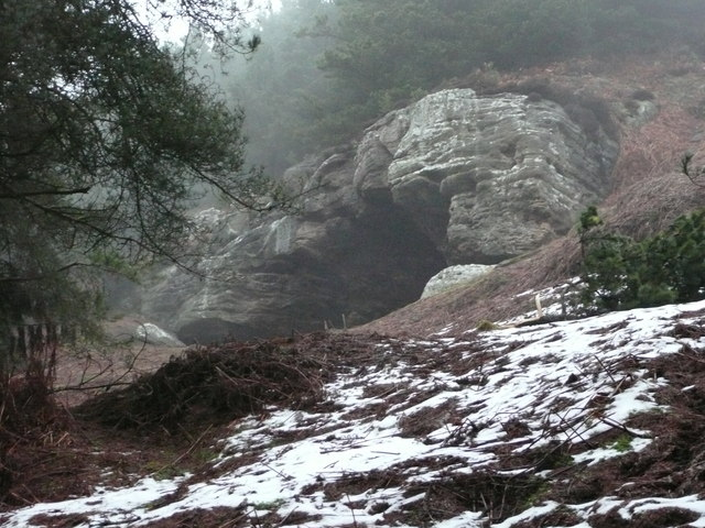 Rock shelter on Cockenheugh