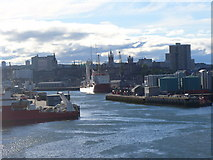 NJ9505 : Quayside Aberdeen by Colin Smith