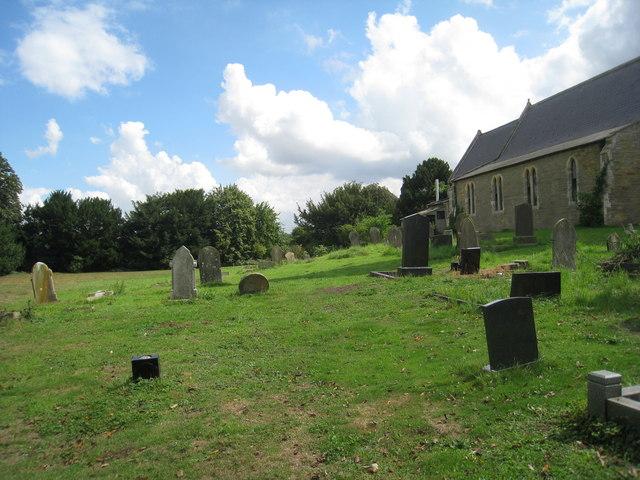 Luddington churchyard