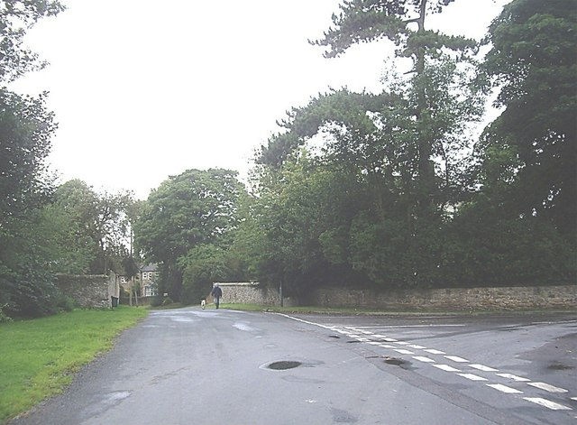 Entry to Barton Village from the south