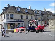 SO8700 : Roadworks, Minchinhampton by Maigheach-gheal