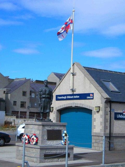 Lifeboat Memorial Statue