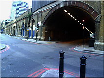 TQ3379 : Bermondsey Street viaduct tunnel from Crucifix Lane by Roger Templeman