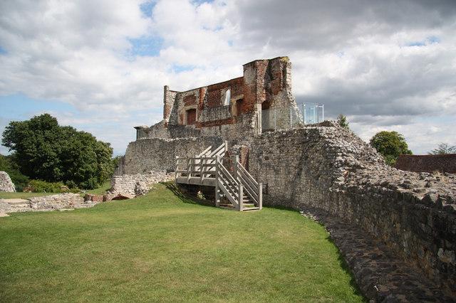 Farnham Castle keep