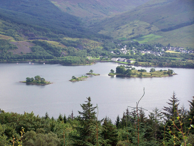 Islands in Loch Leven © Richard Dorrell cc-by-sa/2.0 :: Geograph ...