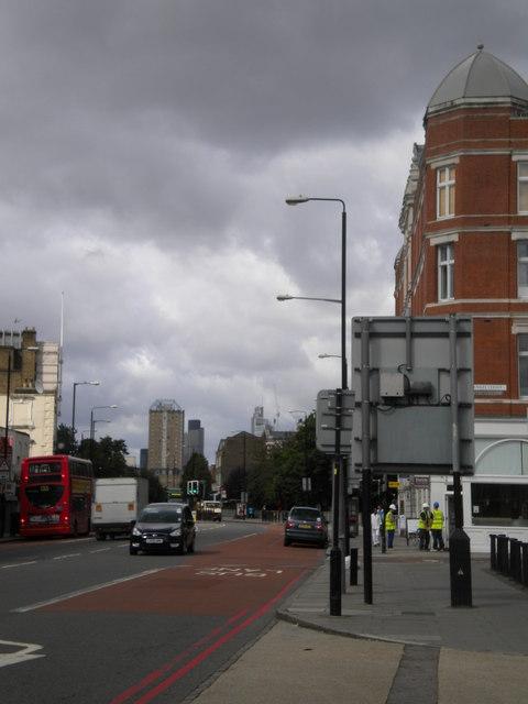 Commercial Road E1