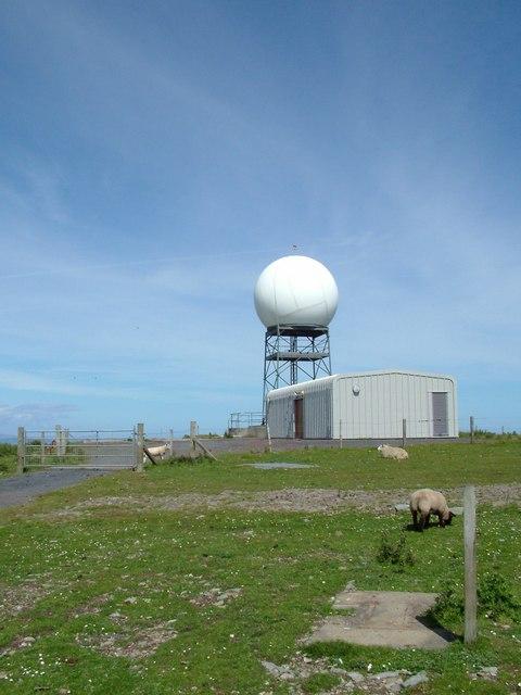 compass head radar installation  u00a9 jim strang    geograph