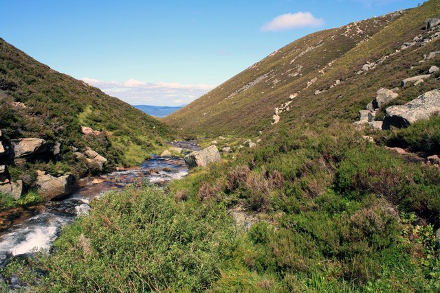 Small stream in the Lairig Ghru
