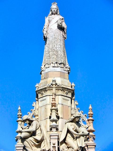 Queen Victoria Statue, Doulton Fountain