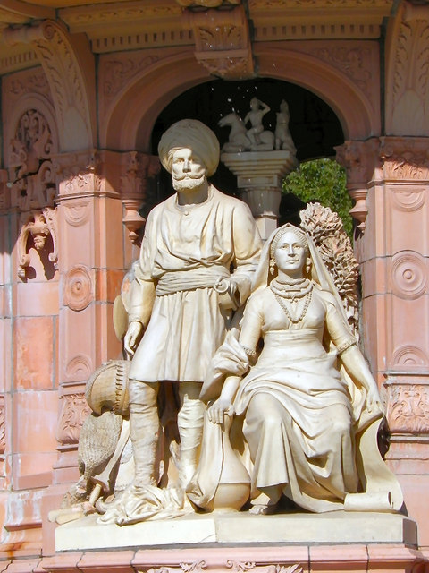 Doulton Fountain, Colonial Group