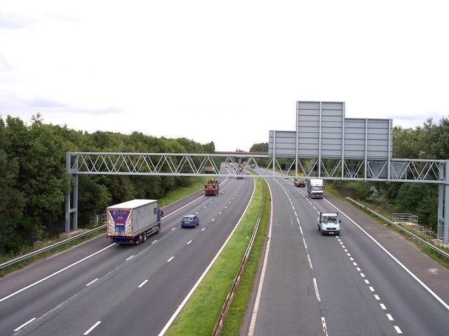 The M57 from Pottery Lane bridge
