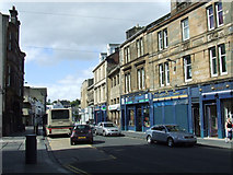NS3975 : Dumbarton High Street by Thomas Nugent