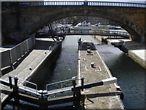 TQ3681 : Commercial Road Lock, Regent's Canal E14 by Robin Sones