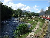 SH5947 : Approaching  the Afon Glaslyn bridge by Richard Hoare
