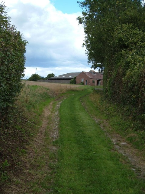 Approaching Hermitage Farm at Chidden