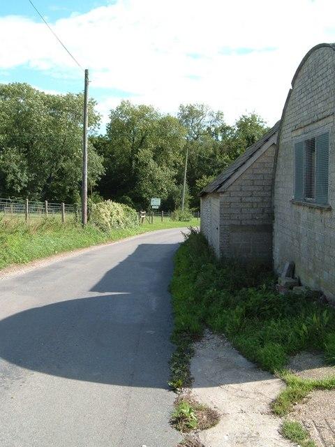 Road by Hyden Farm