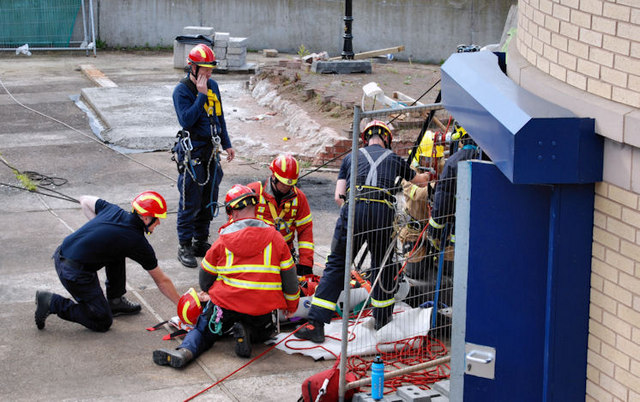 Lagan weir, Belfast - rescue exercise (1)