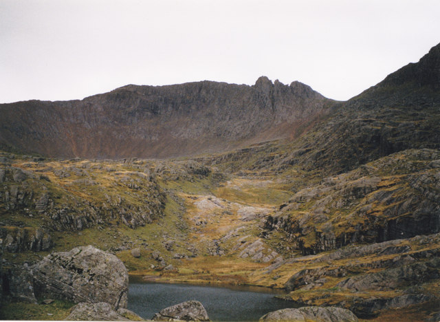 Hanging valley above Llyn Glas with Y Grib Goch in the background