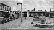 TQ2182 : Willesden Junction Station (Main Line) by Ben Brooksbank