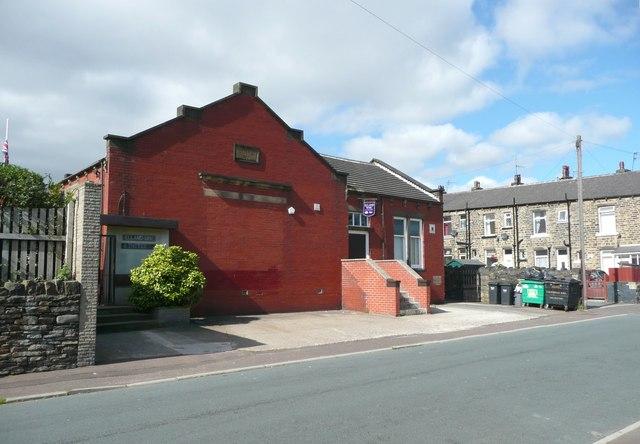 Elland Working Men's Club and Institute, Rosebery Street