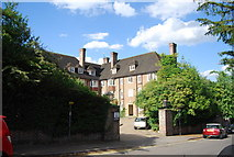 SU9948 : Chaucer Court, Lawn Rd by N Chadwick